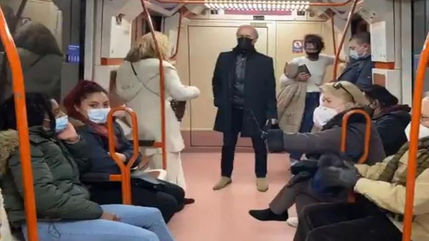 Fuerte discusión en el metro de Madrid por el uso de la mascarilla