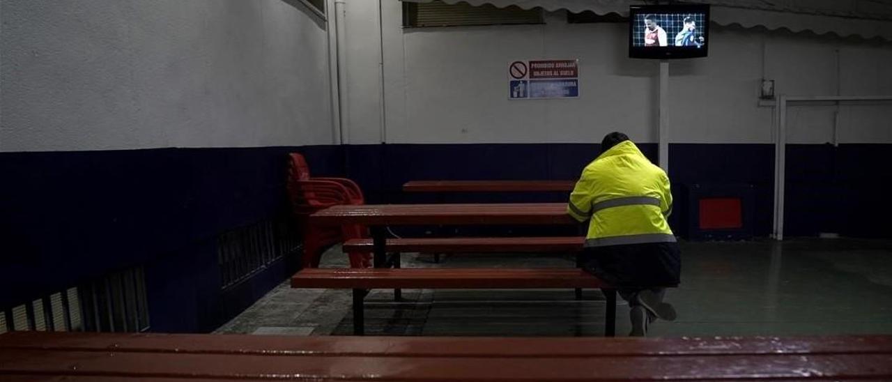 Ruta por la España perimetrada: Los camioneros cenan solos