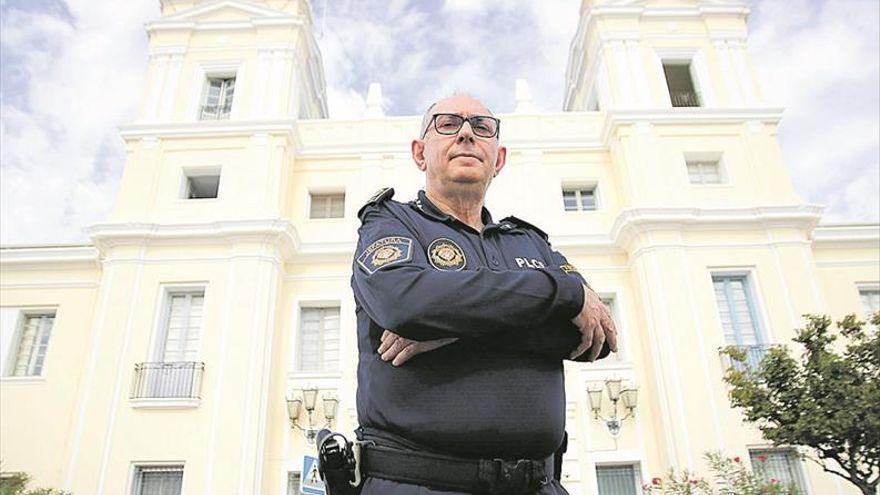 Mejora el estado de salud del jefe de la Policía Local de Castelló tras ingresar en la UCI por un accidente