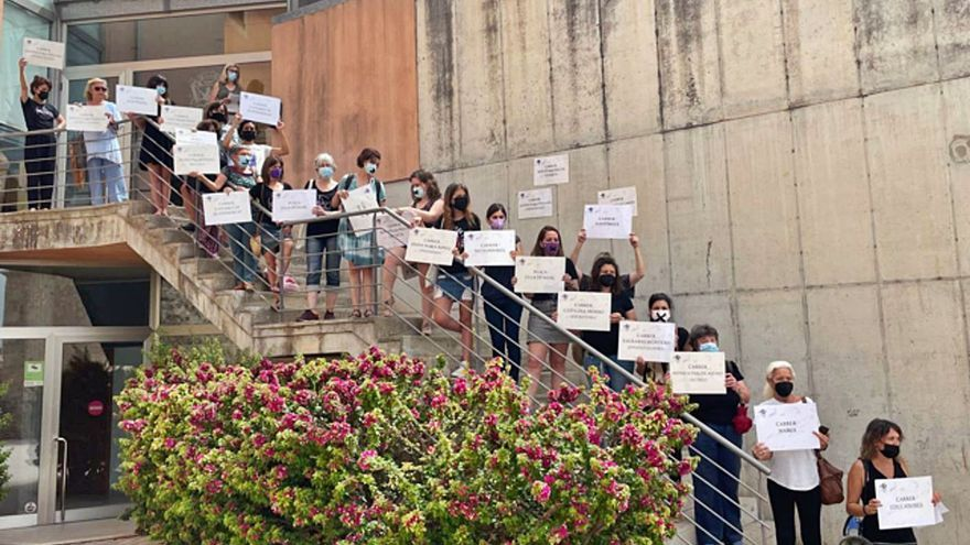 Lloseta sanciona con cien euros a activistas feministas por un acto reivindicativo el 8-M