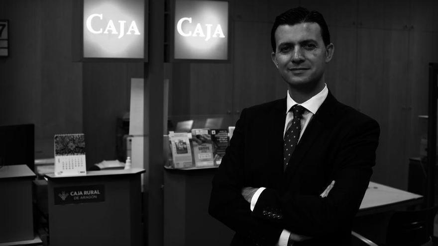 Víctor Gonzalvo / Director oficina de Caja Rural de Aragón