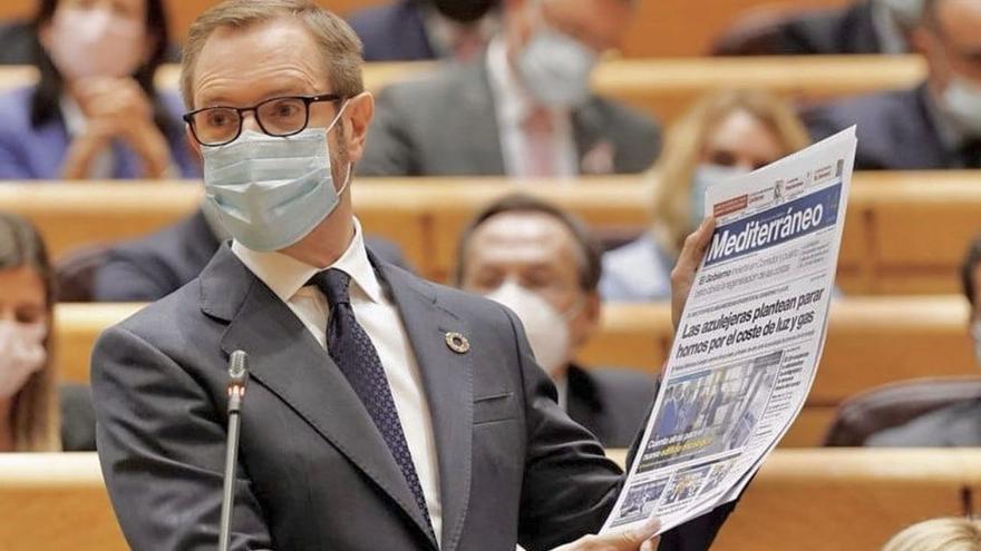 La portada de 'Mediterráneo', protagonista en el debate del Senado