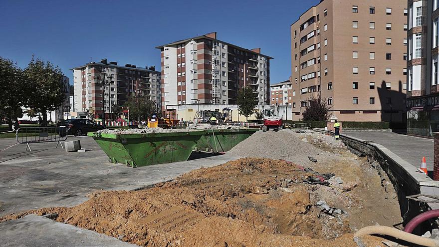 El Ayuntamiento impulsa un plan para atajar el deterioro de la plaza del Conceyín