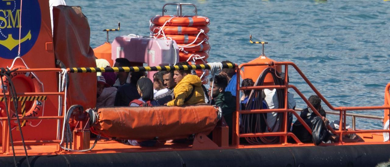 Rescatan a 225 inmigrantes en 6 pateras en Lanzarote, Gran Canaria y Tenerife
