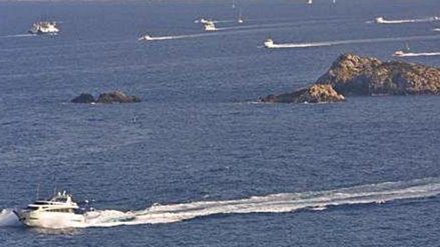 Las navieras proponen a la Autoridad Portuaria más control del tráfico marítimo entre Ibiza y Formentera