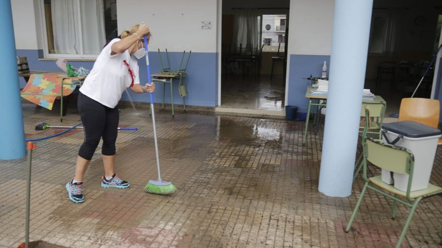 La lluvia corta cinco carreteras y causa inundaciones en Santanyí