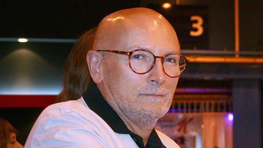 Muere Carlos García Calvo, periodista y cronista de estilo de la reina Letizia