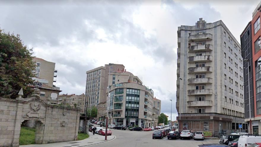 Evacuada una persona por un incendio en un edificio de okupas en Vigo