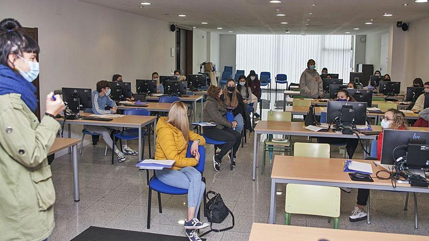 Inician el curso de monitor de tiempo libre en la Aula Cemit con las 25 plazas cubiertas