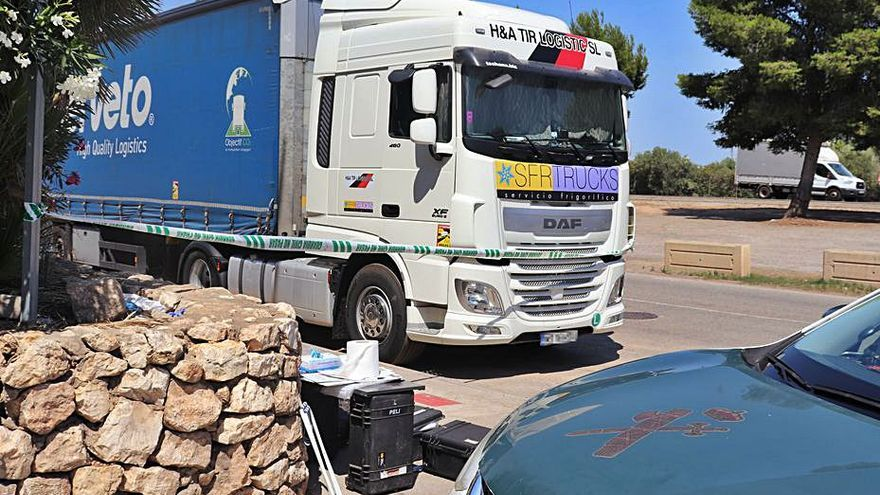 Investiguen la defunció d'un camioner que va parar a descansar en l'A3 a Riba-roja