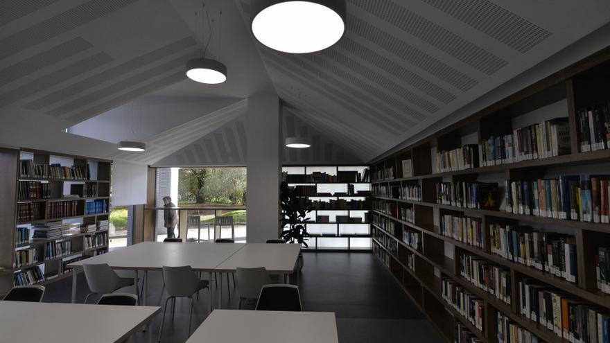 Las medidas anticovid hunden el préstamo físico de libros de la red de bibliotecas
