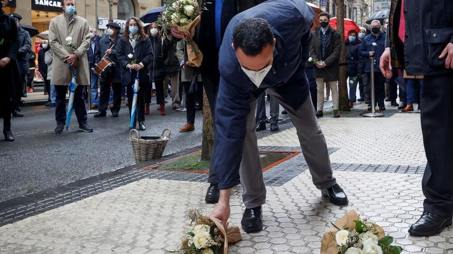 """Un nuevo """"lugar de memoria"""" recuerda a Fernando Múgica en San Sebastián"""