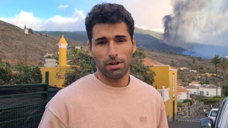El atleta palmero Samuel García brinda su apoyo a quienes lo han perdido todo en la erupción del volcán de La Palma