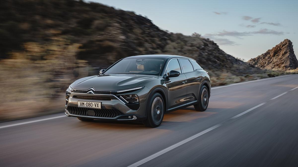 Citroën reinventa las berlinas de gran tamaño con el nuevo C5 X