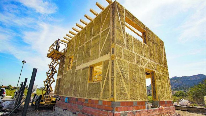 La vivienda eficiente llega  a Xàtiva