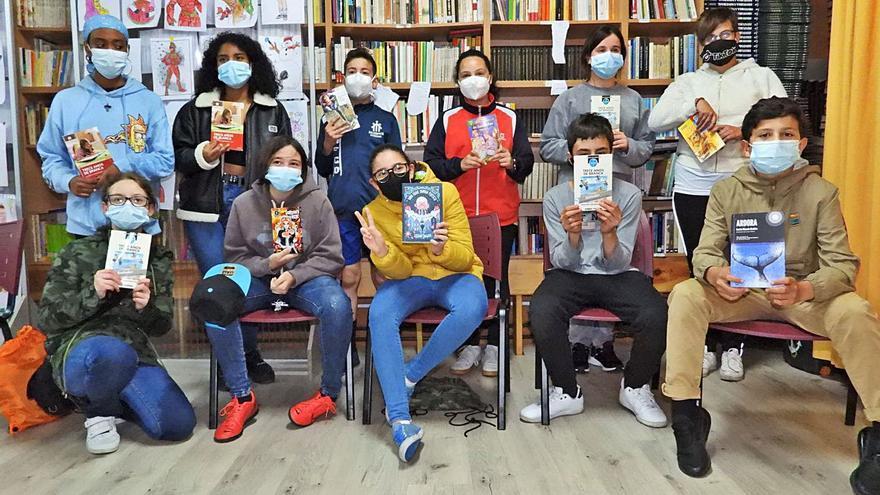 Los escolares tragalibros planean su mes más literario