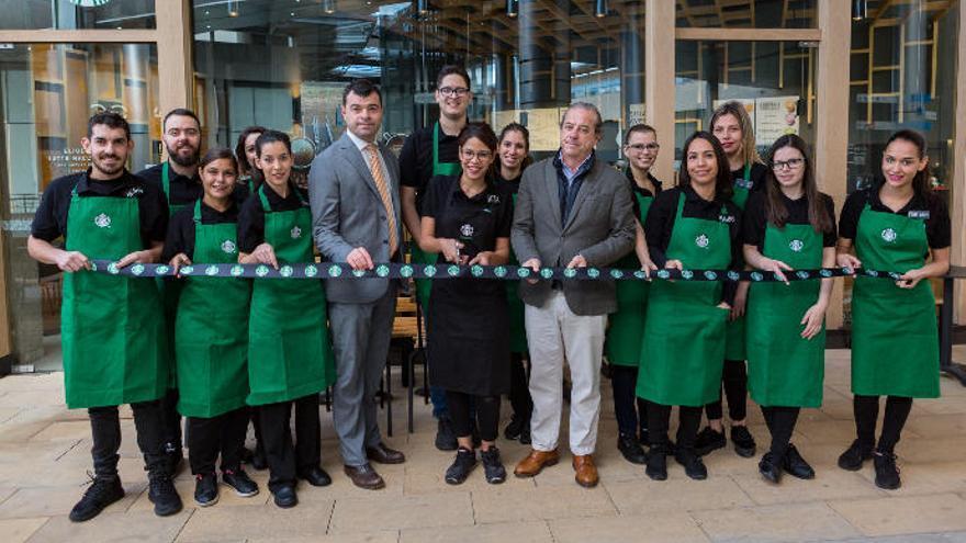 Starbucks abre en el Centro Comercial Alisios