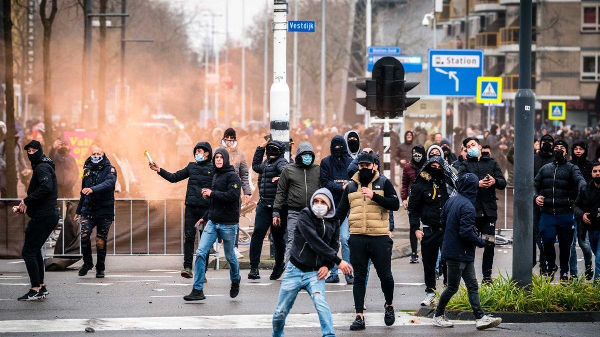 Disturbios violentos en Holanda por la aplicación del toque de queda