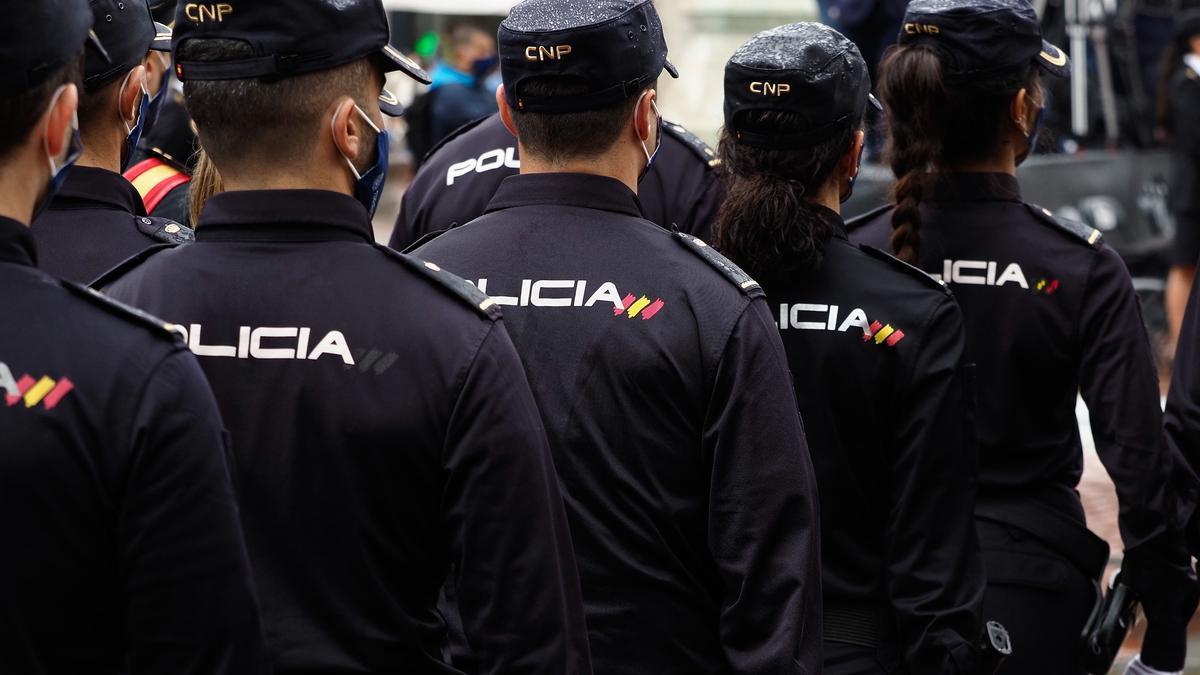 Varios agentes de Policía Nacional.