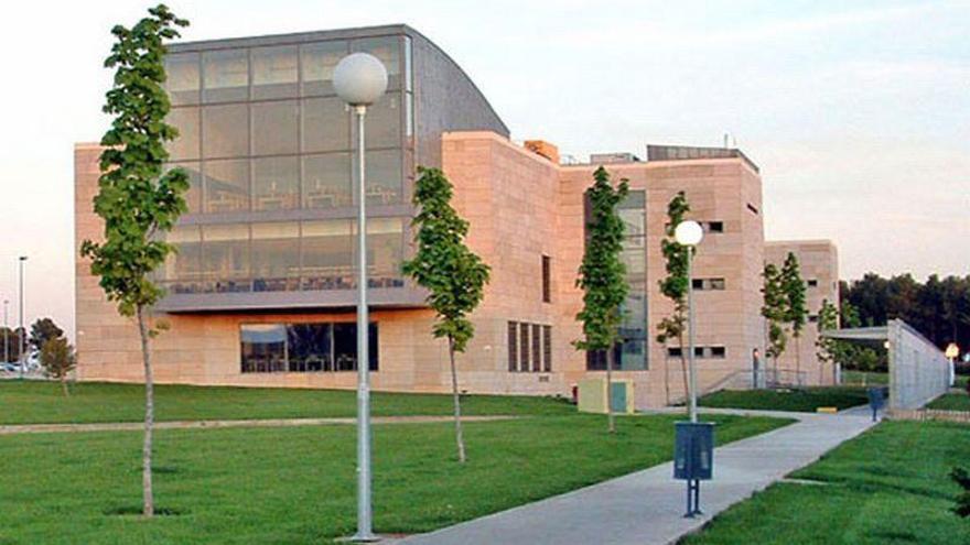 El campus de Huesca acoge un curso sobre la nieve y el cambio climático