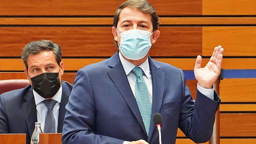 Mañueco reclamará al Gobierno reparaciones económicas y una rebaja en la luz para el Esla