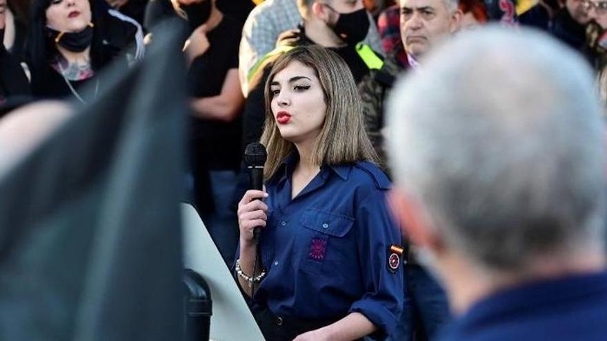 Qui és Isabel Peralta, la falangista que va denigrar els jueus a l'homenatge a la División Azul?