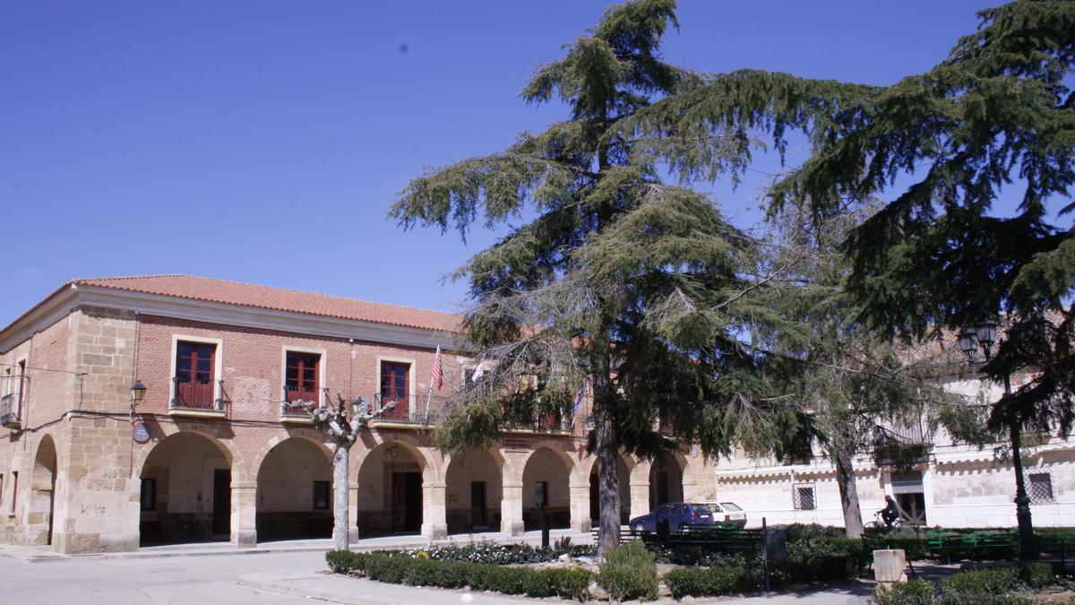 Fachada del Ayuntamiento de Villanueva del Campo
