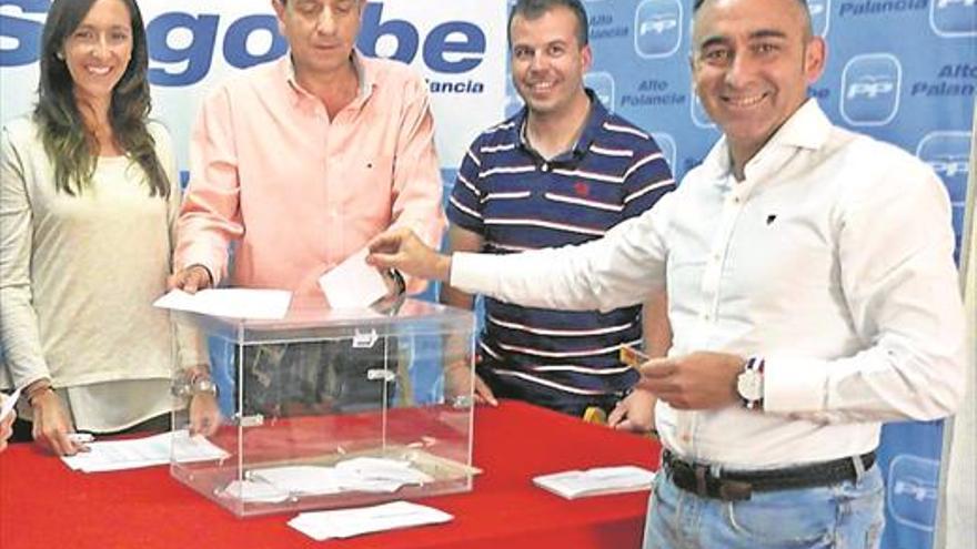 Barrachina será presidente del PPCS con el apoyo mayoritario de las bases