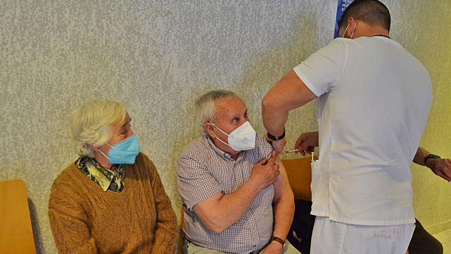 """La vacuna llega a los pueblos """"burbuja"""" de Zamora"""