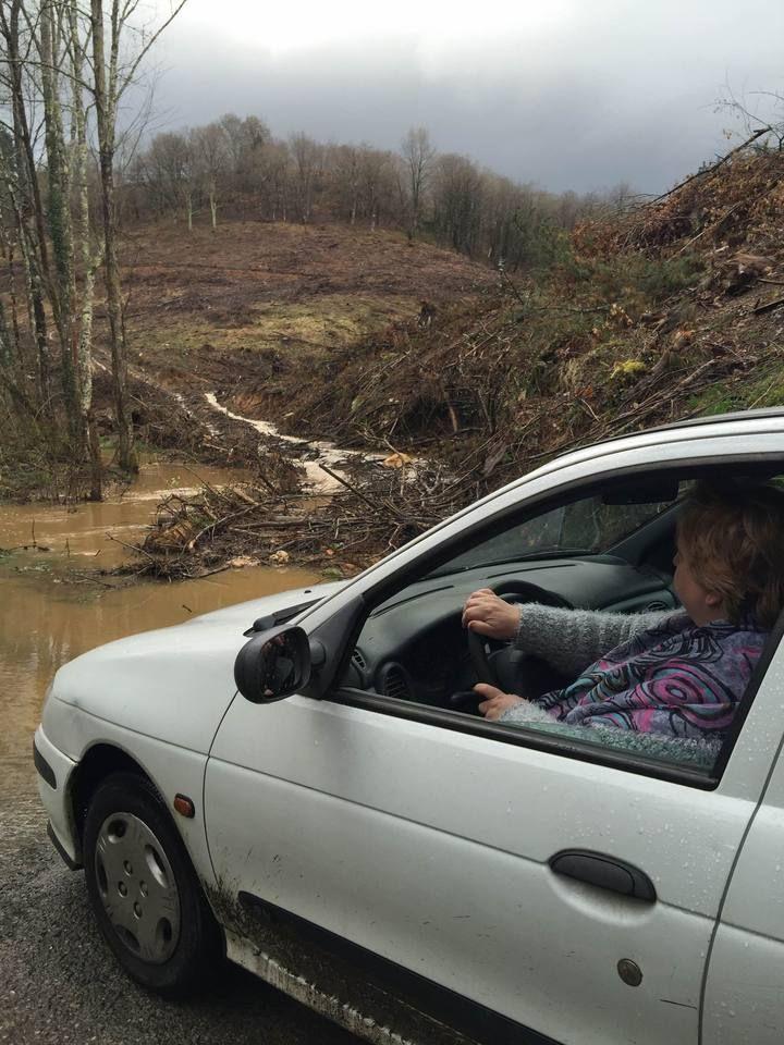 temporal riachuelo que inunda la carretera la panda pilo?aIMG_6923.jpg