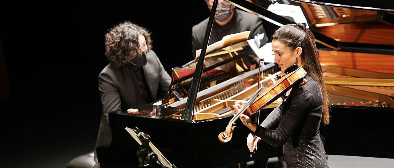 Cristina Gestido y Mario Bernardo, en un concierto. | J. PLAZA