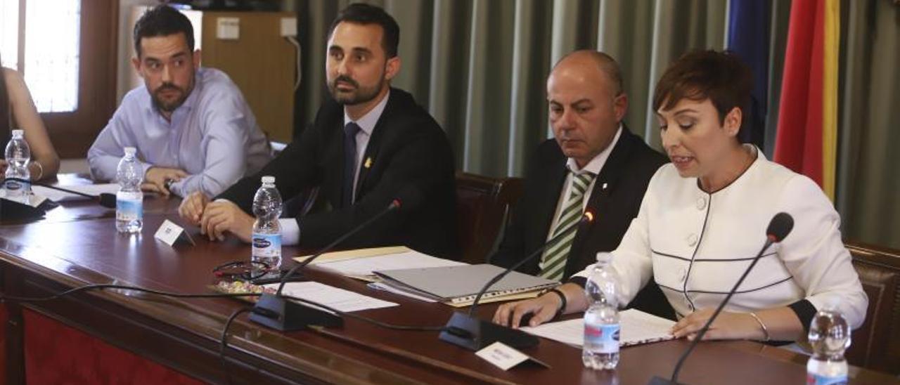 Imagen de archivo del pleno de constitución del ayuntamiento de Canals en 2019.   PERALES IBORRA