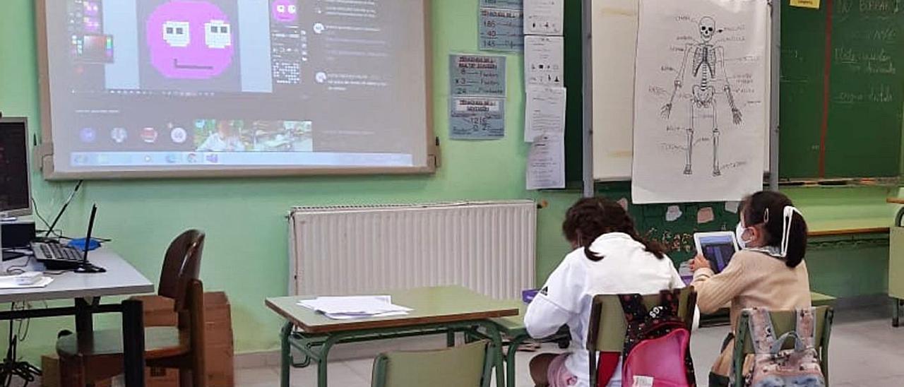 Una de las aulas de Benia, durante la sesión del pasado viernes.