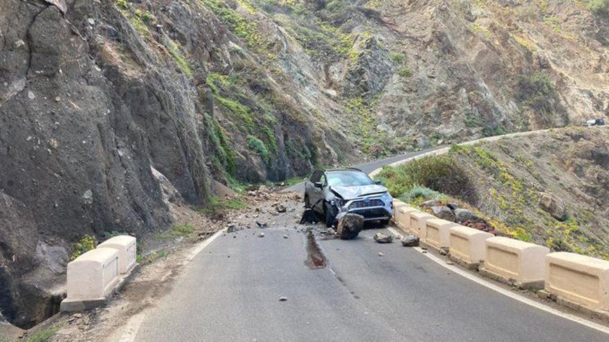 Desprendimientos en una carretera de Tenerife