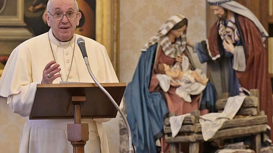 El Papa se recupera de la ciática