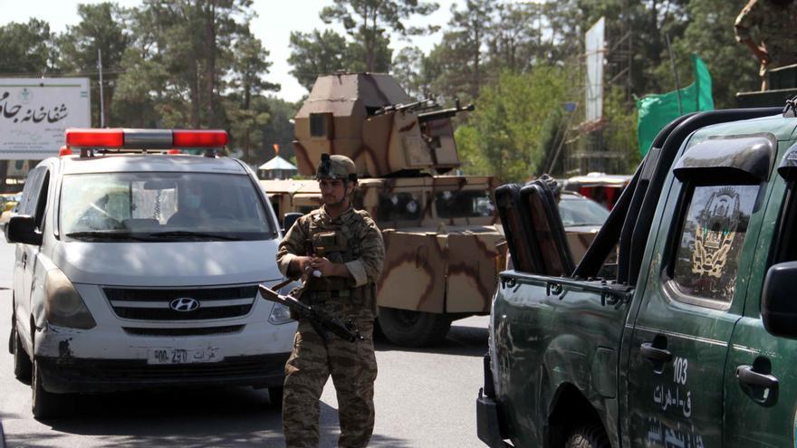 El Gobierno evacuará a los afganos que trabajaron para España ante la amenaza talibán