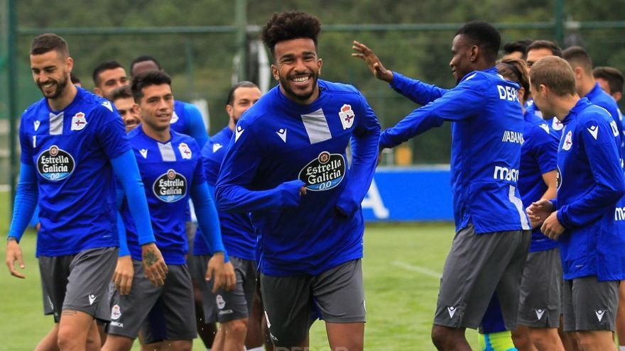Derik Osede ya se entrena en Abegondo y estará en el partido contra el Pontevedra