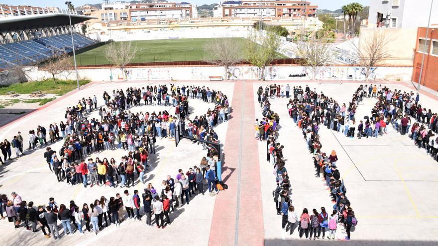 El alumnado del Josep de Ribera de Xàtiva se suma a la celebración del 8-M