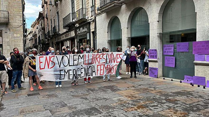 Concentració a Girona pel feminicidi de Porqueres