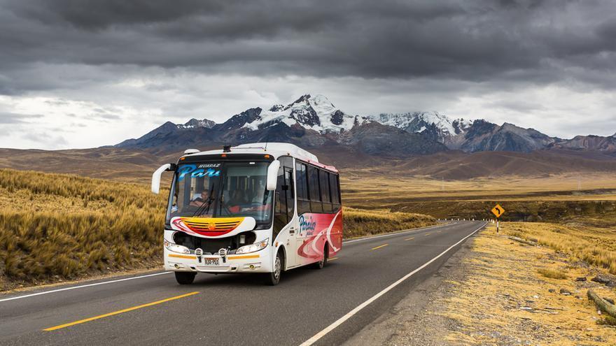 Un autobús vuelca en Perú y deja 20 muertos