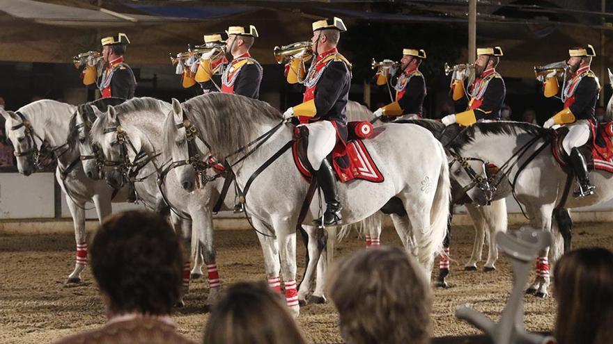 Banda Ecuestre de Clarines de la Guardia Civil en Caballerizas Reales