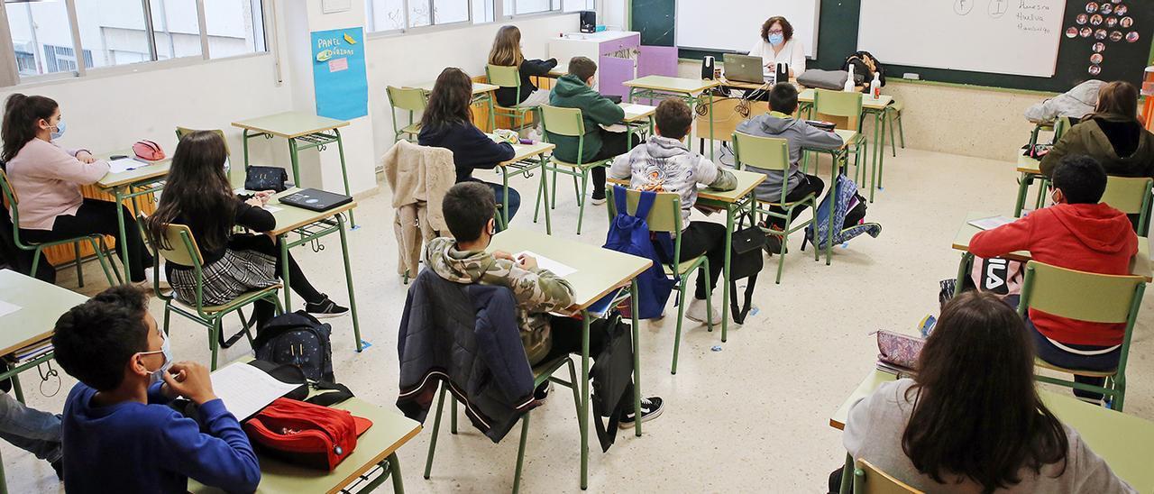 Alumnos de Secundaria, en un colegio de Vigo