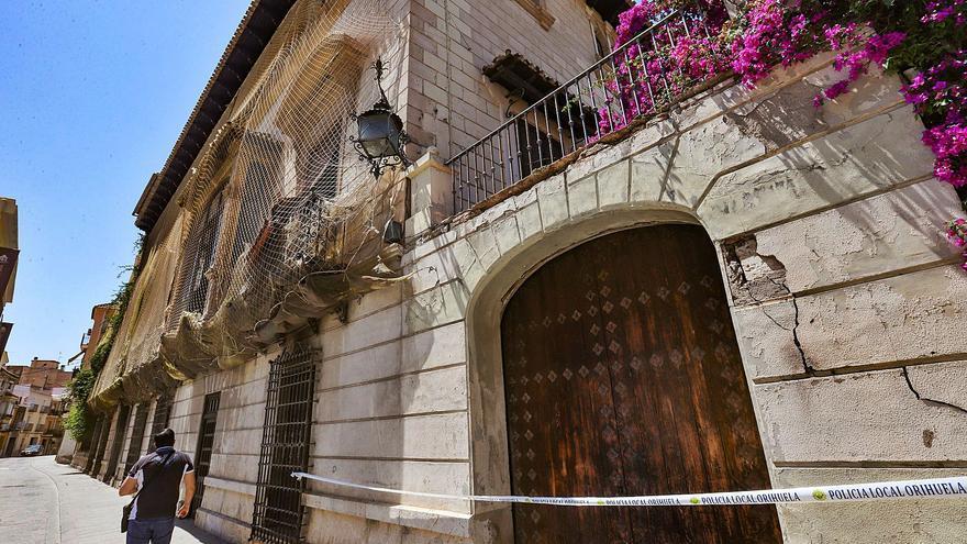 Alarma sobre el estado real del Palacio de Rubalcava tras los desprendimientos en la fachada