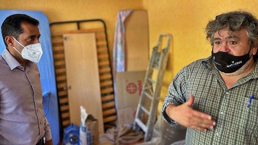 Viviendas comienza a tapiar los pisos  en las 115 viviendas de La Candelaria