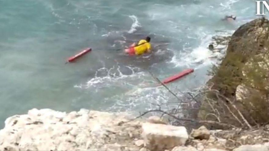 Muere la joven que se precipitó por un acantilado al hacerse un selfi en Benidorm