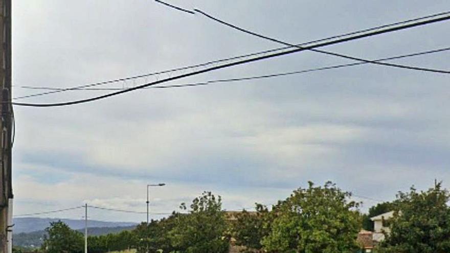Bergondo analiza soluciones a la falta de aparcamiento en Guísamo tras las peticiones de los comercios