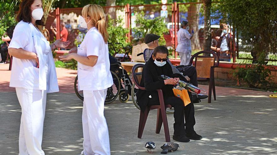 El IMAS busca enfermeros en el SEF para cubrir las plazas de verano en las residencias