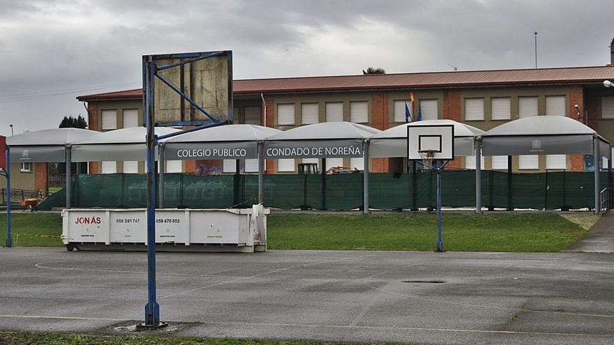 El patio del colegio de Noreña, al fin en orden