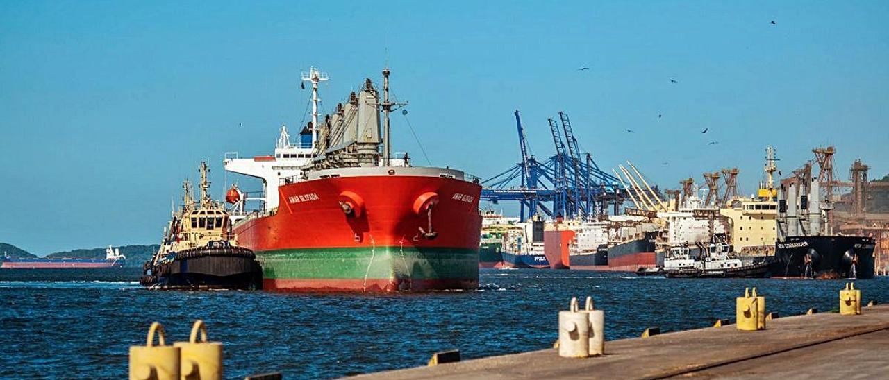instalaciones del puerto de Paranaguá en Brasil.