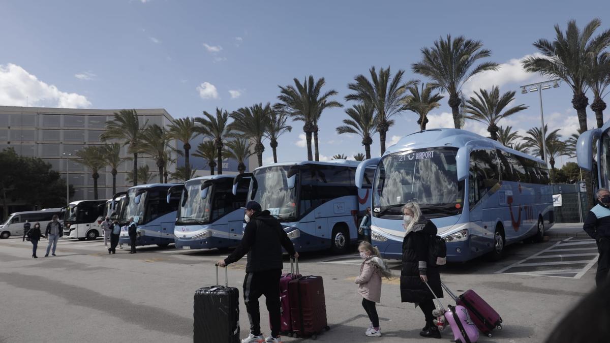 Llegan a Mallorca los primeros turistas alemanes de Semana Santa